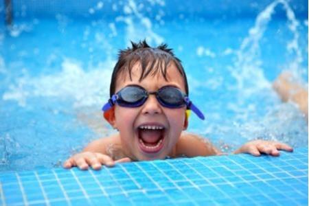 Очистка воды в бассейне безопасной химией