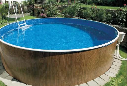 чистая вода в каркасном бассейне
